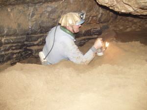 Chodba Zkamenělé řeky a první práce na sondě